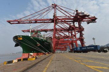 Mainland-HK trade down 1.5 pct in first two months
