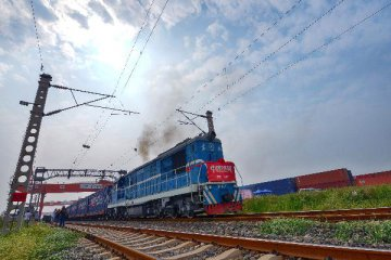 China signs over 130 transport pacts with Belt and Road countries