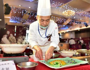 China top 100 catering companies see brisk growth in 2016