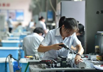 China to further lower corporate costs