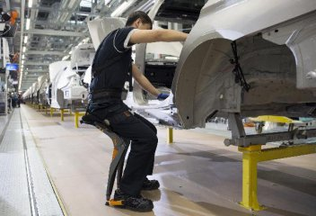 China to further open auto sector to foreign investment