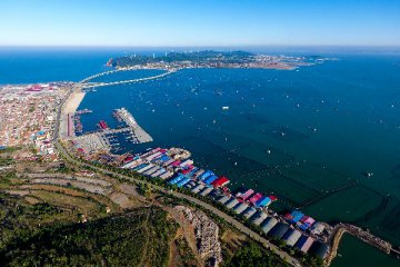 "China proposes ""blue economic passages"" for maritime cooperation"