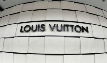 LVMH goes online to lure more luxury customers to spend