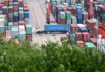 Chinas exports up 11.2 pct, imports up 14.7 pct in July(2rd update)