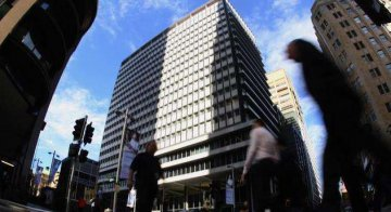 Commercial banks see net profit of RMB970.3 bln in H1