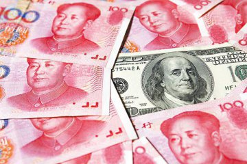 Chinese banks report net forex sales drop in July