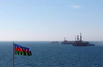Azerbaijan cuts oil output under OPEC agreement