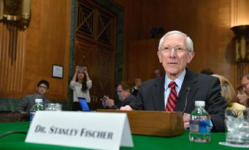 "Fed V-Chairman Stanley Fischer submits resignation for ""personal reasons"""