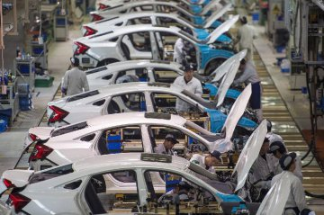 China auto sales rise 5.3 pct in August