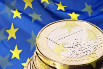 Europes economic recovery stumbles despite encouraging signs