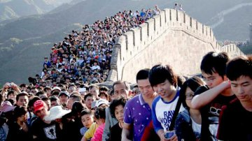 Tourism booming during Chinas National Day holiday