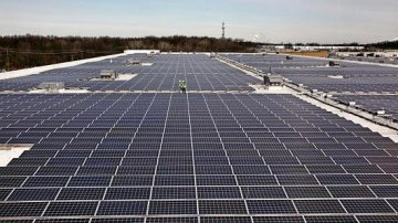 U.S. trade agency recommends restrictions on solar imports