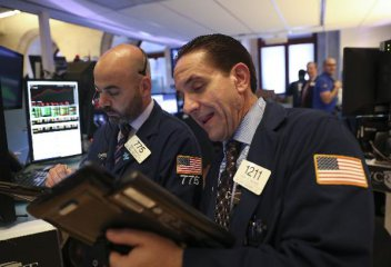 Investors optimistic yet cautious on U.S. financial markets