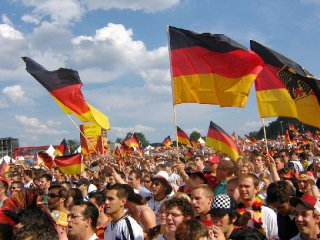German economy maintains momentum in Q3: official study