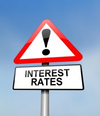 Central banks should not signal expectation on low interest rate