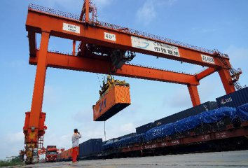 Central China-Europe rail freight to surge in 2018