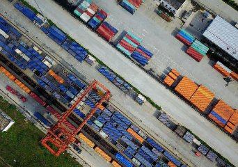 Chinas freight growth steady in 2017