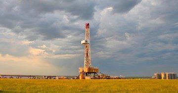 U.S. crude oil output to surpass 10 mln barrels per day through 2019: EIA