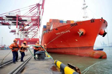 China's exports growth hits 3-year high in February