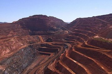 China welcomes overseas iron ore futures traders