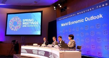 IMF maintains global growth forecasts,warns trade conflict