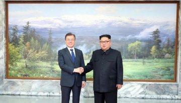 Moon, Kim discuss inter-Korea ties, DPRK-U.S. summit in Panmunjom