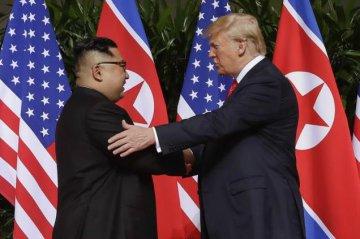 Trump meets Kim Jong Un in Singapore