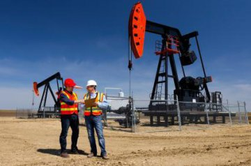 Chinas crude oil output edges down 1.6 pct in May