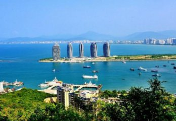 Hainan welcomes foreign financial firms participation in building FTZ