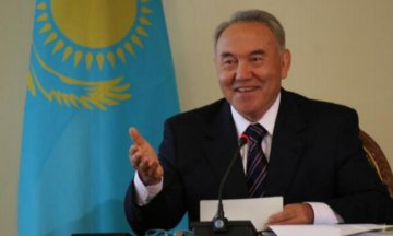 ​Kazakh president supports construction of Silk Road-themed plaza