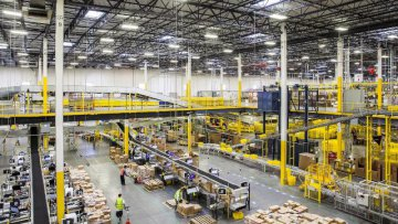 Amazons Q2 profit exceeds estimate at 2.5 bln USD