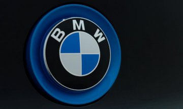 BMW earnings fall in Q2 on stronger euro, higher costs