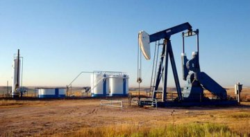 Oil prices drop mainly due to higher supply from OPEC, Russia