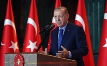 "​Turkeys Erdogan decries U.S. ""plot,"" seeks new alliances"
