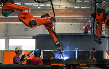 China to raise export tax rebates for electromechanical, cultural products