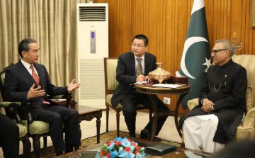 China, Pakistan vow to boost CPEC construction, promote bilateral ties