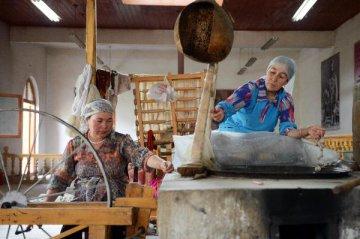China Focus: Xinjiangs outlook on Silk Road brings in industries