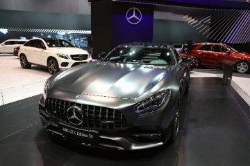Daimler car sales slump in September