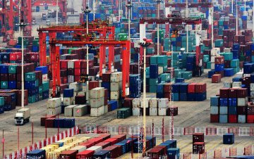 Trade tensions threaten world economic activity: UN official