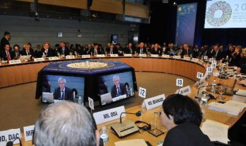 IMF warns of rising risks to global financial stability