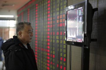 Chinas stock market pummeled and it is bad news for US markets
