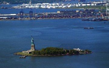 U.S. tax cut fails to boost investment, jobs: survey