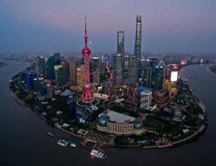 China bangs drum for open economy