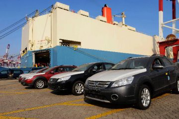 Chinas passenger vehicle sales slide for six consecutive months