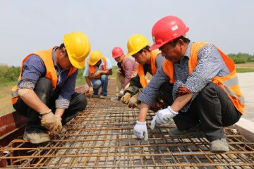 China drives global wages up