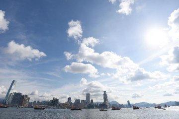 Hong Kong shares down 2.38 pct by midday