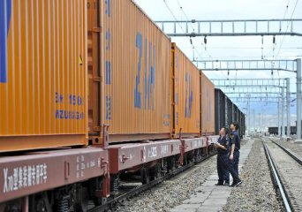 More freight trains travel between Chongqing, Europe in 2018