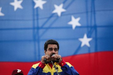 Venezuelan, French oil firms sign agreement to increase oil production