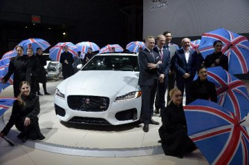 Britains carmaker Jaguar Land Rover to cut 4,500 jobs
