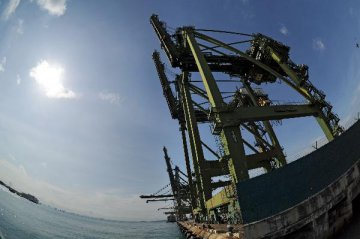 Singapores non-oil domestic exports to Chinese mainland rebounds in Dec